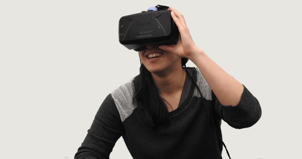 Bij VR kom je met behulp van een bril terrecht in een hele nieuwe wereld.